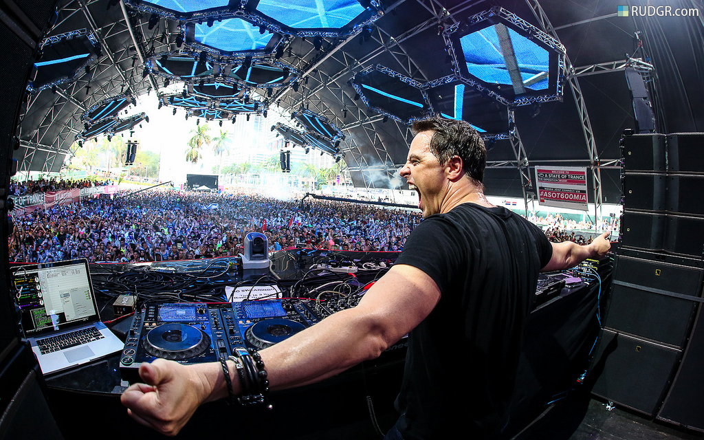 Markus-Schulz-anzu-club-ultra-umf-revista-backstages-brasil