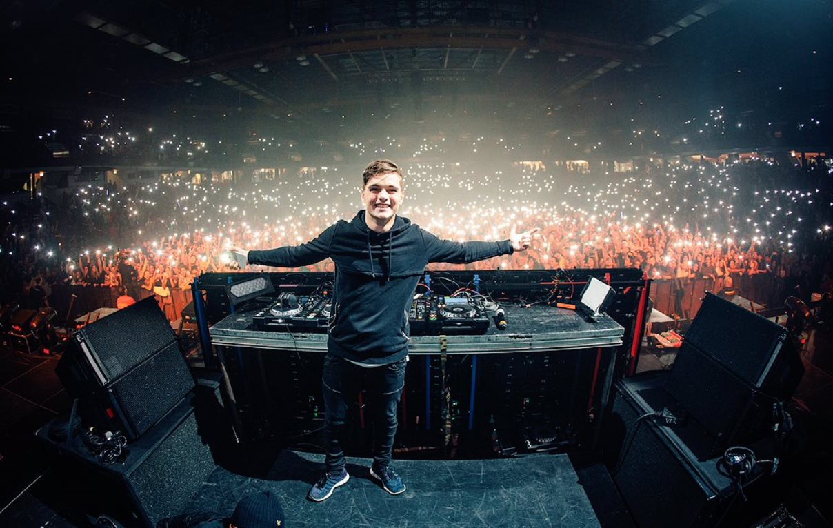 martin-garrix-revista-backstages