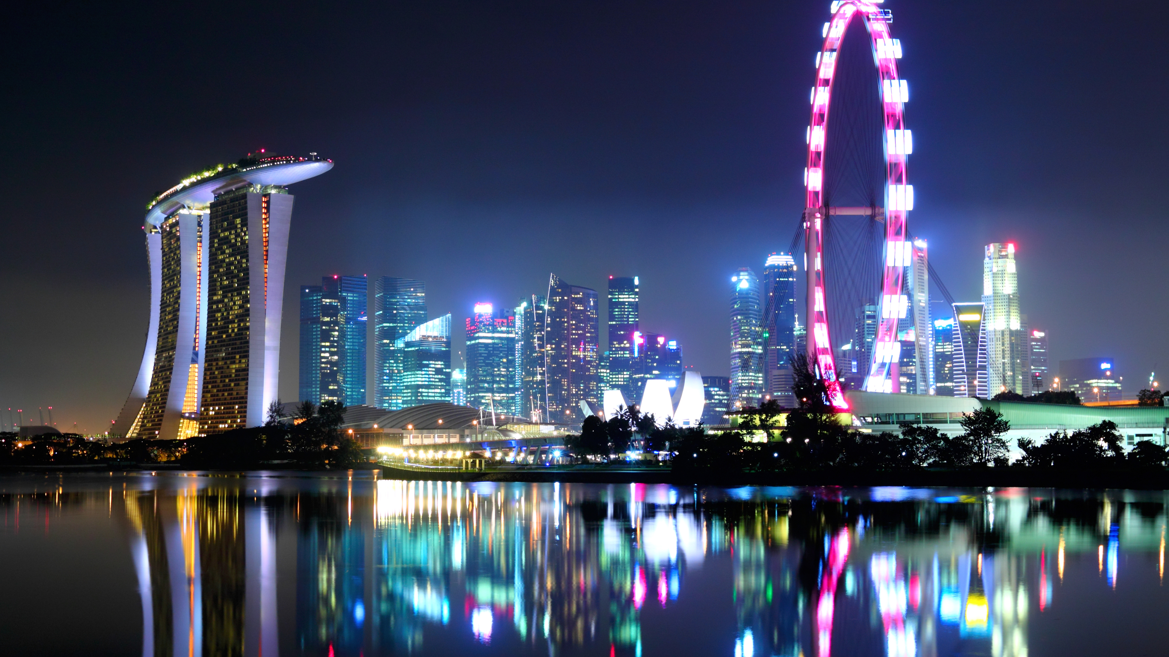 ultra-music-festival-singapore-city-skyline-backstages